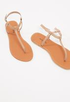 dailyfriday - T-Bar leather sandal - nude