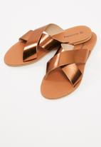 dailyfriday - Cross over leather sandal