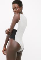 dailyfriday - Colourblock sporty bodysuit
