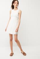 Vero Moda - Lena dress