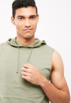 basicthread - Pullover sleeveless top
