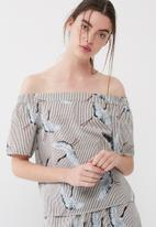 ONLY - Beatrice crane off shoulder top