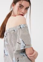 ONLY - Beatrice crane off shoulder top