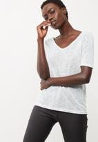 Vero Moda - Sunshine V-neck top