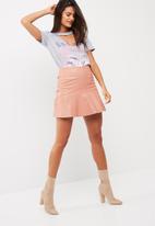Missguided - Frill hem faux leather mini skirt