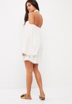 Missguided - Lace choker neck bardot shift dress