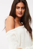 Missguided - Off shoulder knitted jumper dress