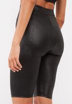 Missguided - Active wet look cycling shorts