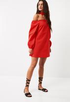 Missguided - Puff sleeve choker neck bardot dress