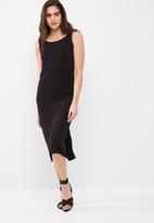 dailyfriday - Low back midi dress