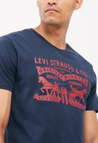 Levi's® - Graphic set-in crew neck tee -blue