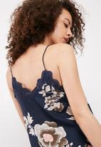 Vero Moda - Famous lace cami