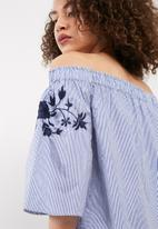 Vero Moda - Bella off shoulder midi top