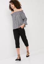 Vero Moda - Lina off shoulder gingham top