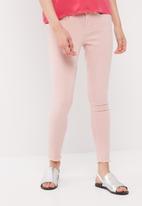 Vero Moda - Bryce tapered jeans