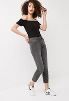Vero Moda - Cleo straight relax cropped jeans