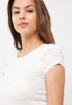 dailyfriday - Frill sleeve scoop neck tee