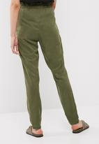 Vero Moda - Zoe tencel belted loose pants