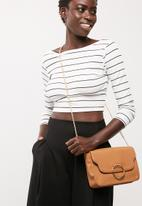 dailyfriday - Ring detail cross body bag with chain strap