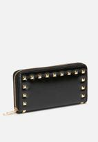 dailyfriday - Purse with studs