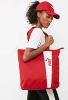 PUMA - Core style shopper