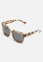 Missguided - Flat top oversized tortoiseshell square sunglasses