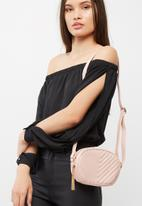 Missguided - Quilted cross body bag with tassel trim