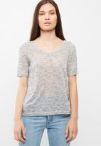 Vero Moda - Sunshine V-neck top