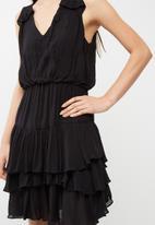 Vero Moda - Eva layer dress