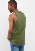 basicthread - Plain tail hem vest