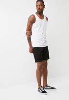 basicthread - 2pack tail hem vest