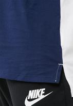 Nike - AV15 tee