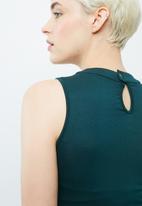 dailyfriday - Keyhole front bodysuit