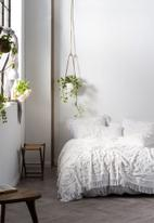 Linen House - Somers bed cover - white