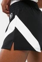 Converse - Chevron gym shorts