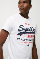 Superdry. - Vintage logo world acclaimed tee