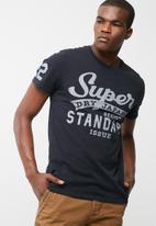 Superdry. - Standard issue tee