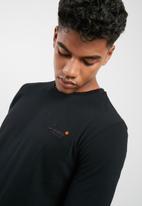 Superdry. - Orange label vintage EMB tee