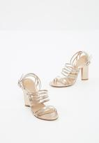 89bd6b984f9 Clear multi strap block heeled sandals - rose gold Missguided Heels ...