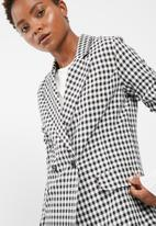 dailyfriday - Gingham suit jacket