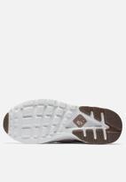 detailed look 11281 5b5a5 Nike - Air Huarache Run Ultra