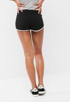 dailyfriday - Retro runner shorts