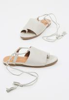 Sissy Boy - Wraparound sandal