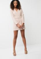Missguided - Belted tailored bodycon dress