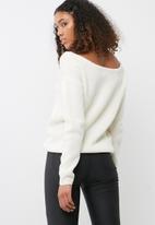 Missguided - Off shoulder knitted jumper