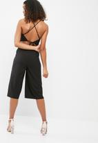 Missguided - Tie back culotte jumpsuit