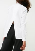 dailyfriday - Open back shirt