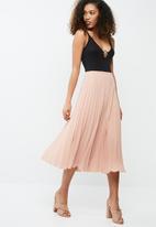 dailyfriday - Pleated midi skirt