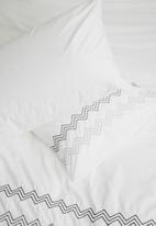 Sheraton - Jagger embroidered duvet cover set