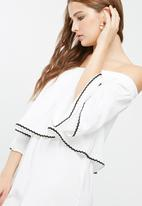 Missguided - Contrast trim bardot double layer playsuit